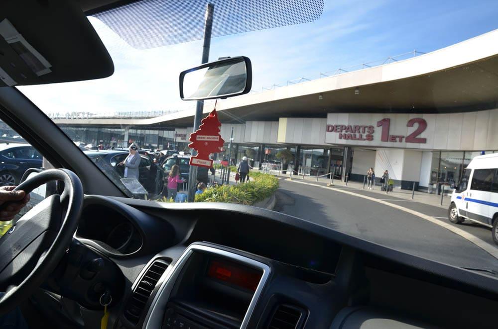 Arrivée d'une navette à l'aéroport d'Orly